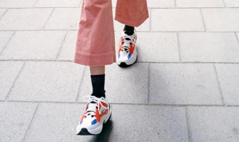 灯芯绒套装配什么鞋子