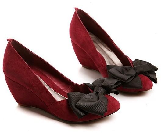 时尚 气质/女式穿2011时尚坡跟鞋 凸现你的多样气质