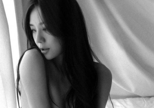周韦彤日本豪放半裸视频