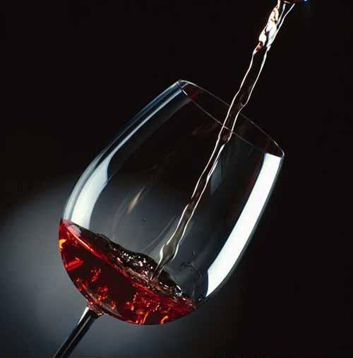 喝葡萄酒有什么好处 详解葡萄酒的功效及制作