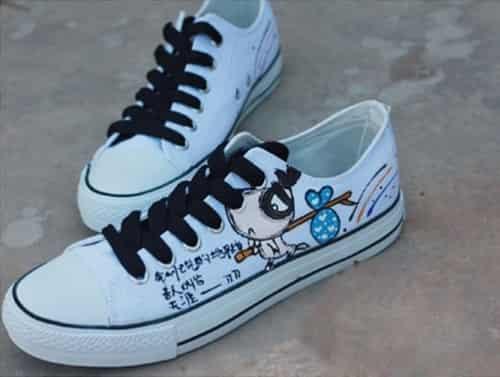 搭配 手绘 青春/2011最流行的手绘帆布鞋搭配,让你爱上青春学院风