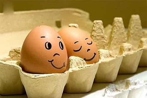 在鸡蛋壳上画画 diy自制鸡蛋脸谱笑翻天