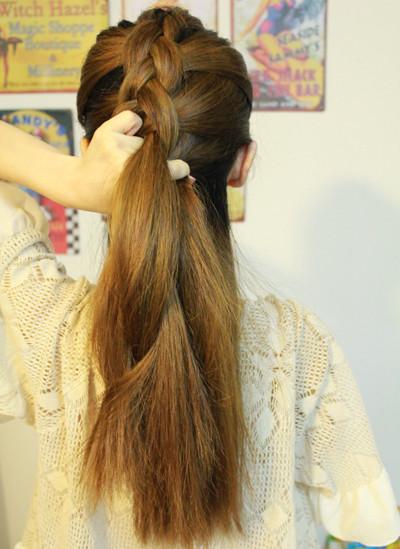 法国奢品长发编发发型扎法 让你立刻甜美变身 (3)图片