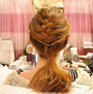 韩式优雅蜈蚣辫盘发的编法图解 浪漫优雅ol上班发型 (360x363)图片