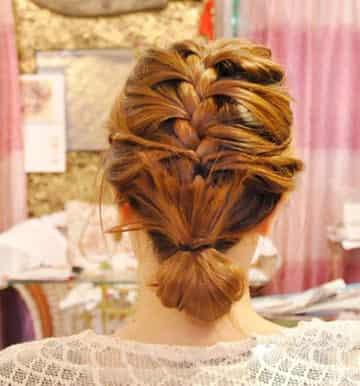 韩式优雅蜈蚣辫盘发的编法图解 浪漫优雅ol上班发型