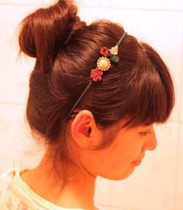 简单韩式盘发 可爱丸子头的扎法图解图片