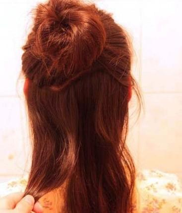 简单韩式盘发 可爱丸子头的扎法图解