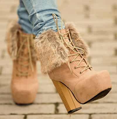 马丁/冬复古马丁靴VS粗跟短靴搭配哪个更让你心动?