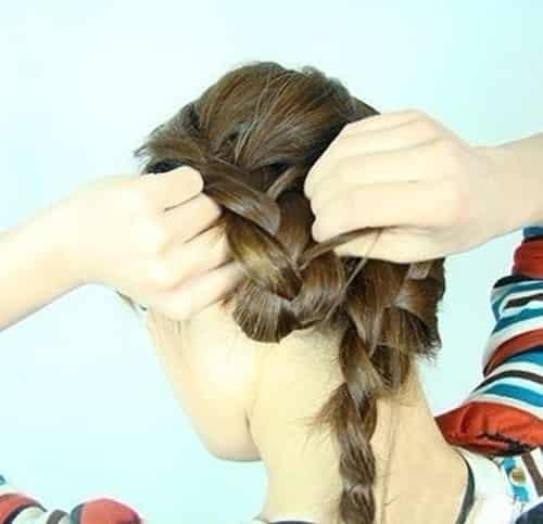 韩式侧花苞头盘发教程 小清新时尚发型扎法步骤 (9)图片