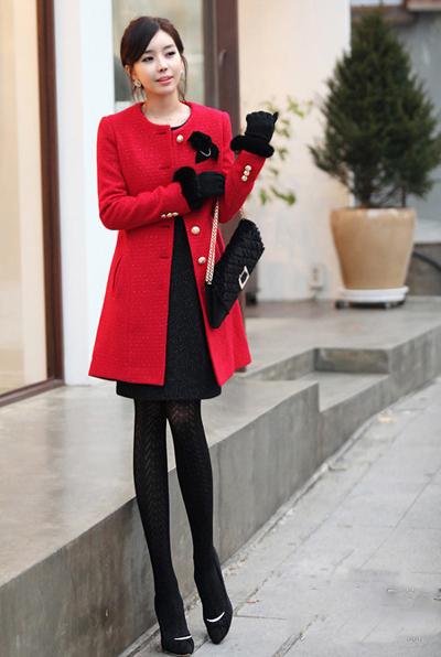 韩版红色呢子大衣搭配 预热圣诞节