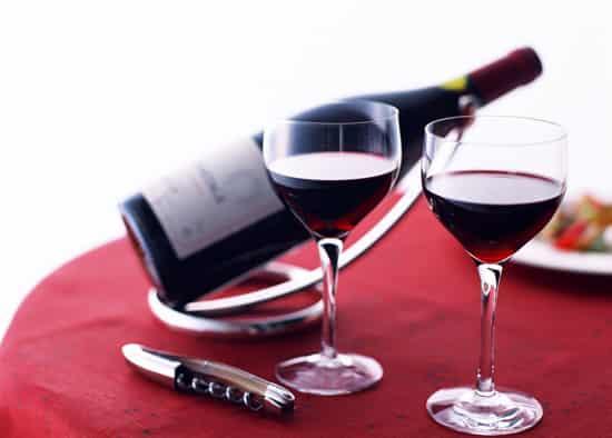 红酒去痘印最有效的方法 祛除脸上痘印一周见效