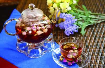 领导办公室放什么花养生_办公室常饮红茶养生你知道吗