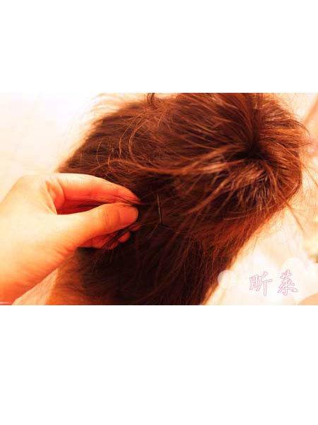 可爱 长头发/长头发怎么扎:超详扎发图解教你打造可爱丸子头