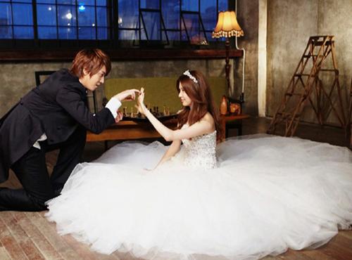 亚当夫妇是婚纱_韩国亚当夫妇婚纱照