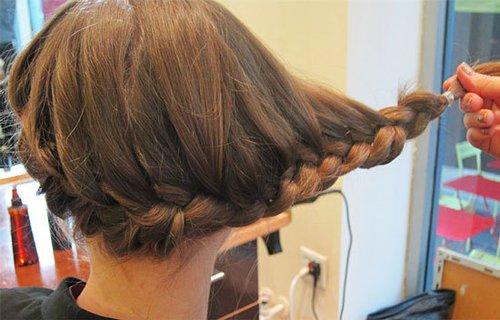 夏季清凉简单盘发_夏日清凉简单盘发发型图片打造出蓬松自然的