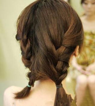 披肩短发好看发型步骤 披肩短发发型图片 披肩短发直发发型图片