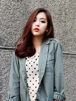 韩国女生中短卷发发型