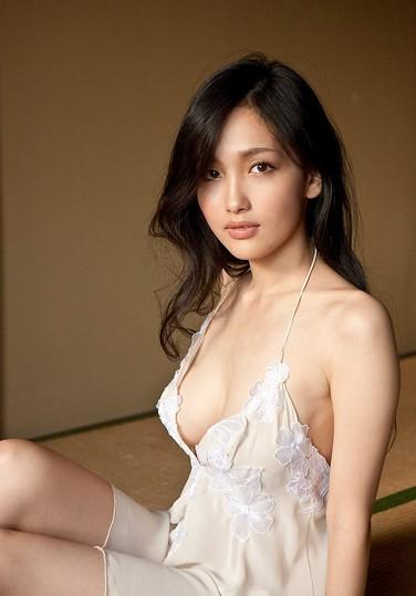 极品美女性感养眼内衣图片 傲人娇躯秀火辣人体艺术