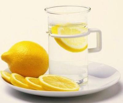 柠檬片泡水减肥法_柠檬片泡水减肥法帮你加速代谢见效快2