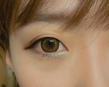 化妆步骤 > 正文  导读:韩式咬唇妆曾一度备受追崇,但是怎样才能画出