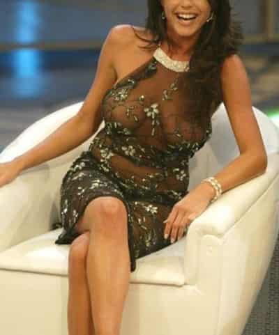 塞尔维亚女主播故意不穿内裤