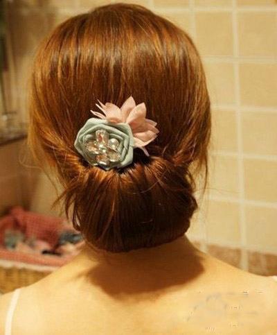 最简单的韩式盘发图解 塑造优雅ol发型图片