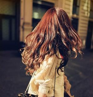 2013年最流行的长卷发发型,赶走沉闷的卷发风格,轻松打造出适高清图片