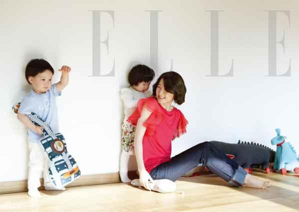 韩国氧气美女李英爱最新写真 与龙凤胎儿女温