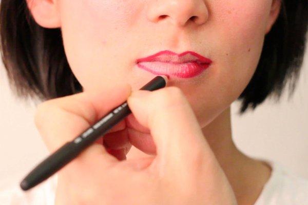 详细步骤教你怎么画唇妆 两种唇线笔画法技巧分享