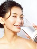 日常健康减肥小常识 喝2200毫升水能减肥