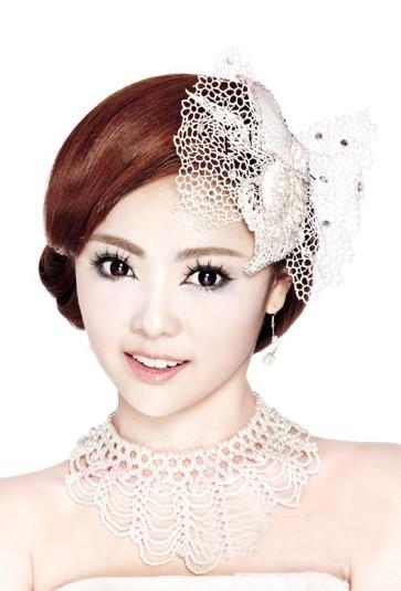一个好的妆容能让新娘成为焦点,所以完美的新娘彩妆造型,是每个图片