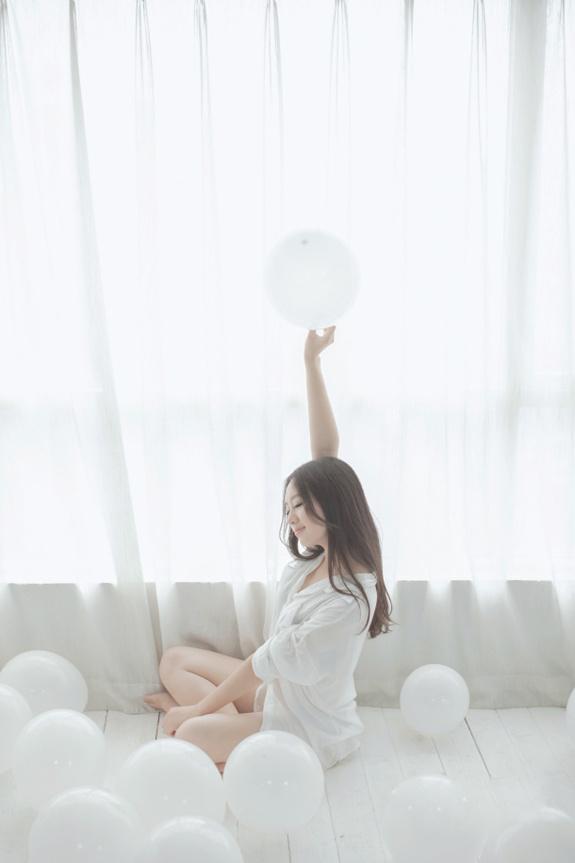 清新美少女室内性感写真图片