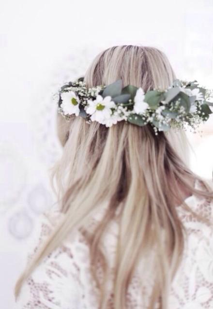 欧美的花环公主头扎法盘发图片分享给小伙伴们,欧式唯美发型匹配不同