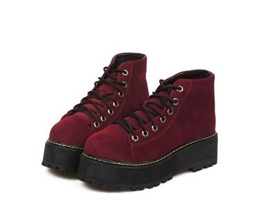 马丁靴搭配春装图片展示 短靴也能穿出高挑身材