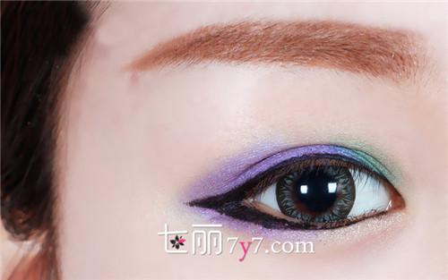 中欧式复古大眼妆容的画法