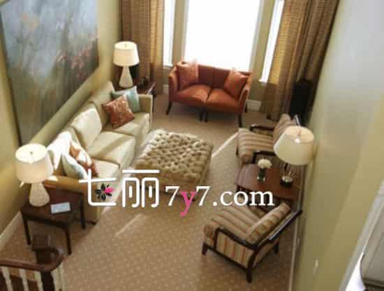小型客厅家具摆设效果图