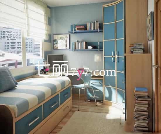 时尚靓蓝 原木的书桌和木质的地板搭配,拼撞的蓝色书柜,已经床榻下的收纳抽屉,不仅仅只是好看而已,容量也是相当的大的。堆积的书给人的感觉特别的充实,让空间更加的完美。  热情红色 书房跟卧室的设计不再只是单调的白色墙壁,那样的装修太没有个性了,想要凸显出火辣的个性,可以将卧室刷称红色的,双人上下铺什么的最有爱了,与书房拼在一起,更是节省了空间,还给双胞胎子女增进了关系。