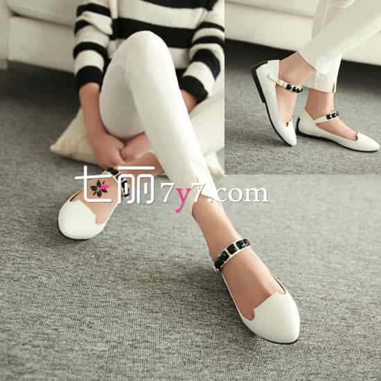 平底单鞋搭配 女王气质闪瞎眼图片