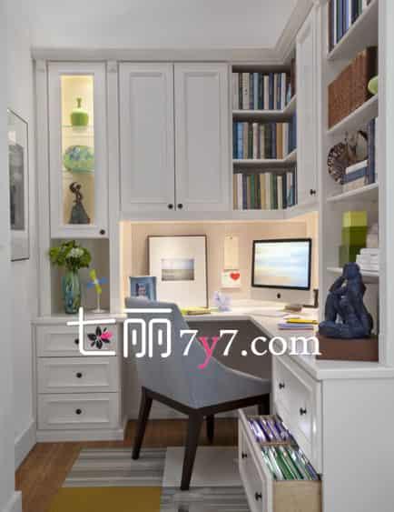转角书桌书柜组合效果图 利用空间的好设计图片