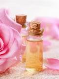 玫瑰精油滴肚脐有什么好处  刺激肠道美容养颜