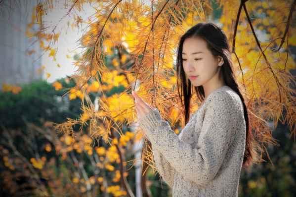 素颜清纯美女冬日田园写真 唯美恬静女神范十足