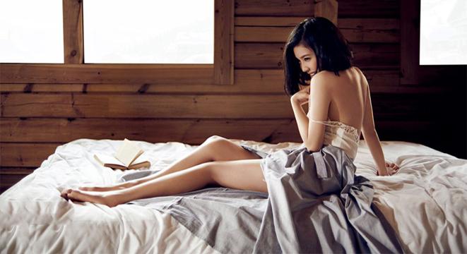 杨子姗最新性感写真大片 诱惑半裸秀美背长腿