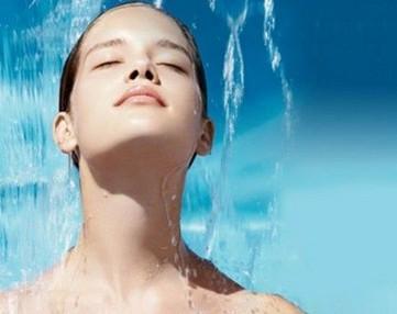 春季皮肤缺水怎么办 春季皮肤补水的好方法
