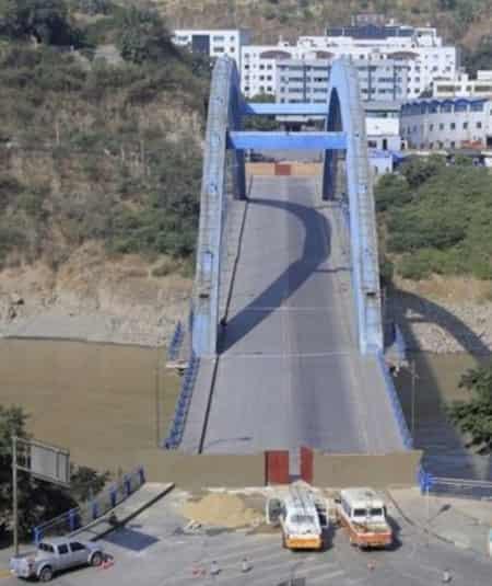 金沙江大桥发生重大事故 大桥突然发生意外垮塌 组图