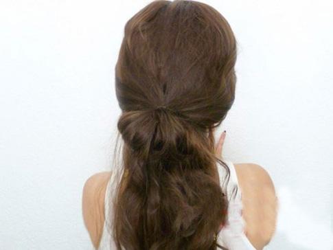 两款公主蝴蝶结发型扎法图解,打造欧美甜系范发型图片