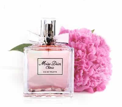 dior迪奥花漾甜心香水演绎了一种新的嗅觉主义,清新优雅的花漾甜心