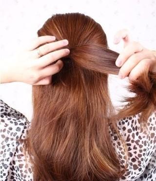 简单好看韩式发型扎法,慵懒修颜发型一分钟搞定图片
