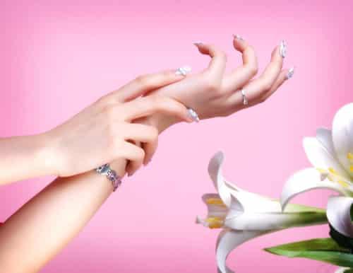 手部护理步骤大揭秘 细节之处的美白保养