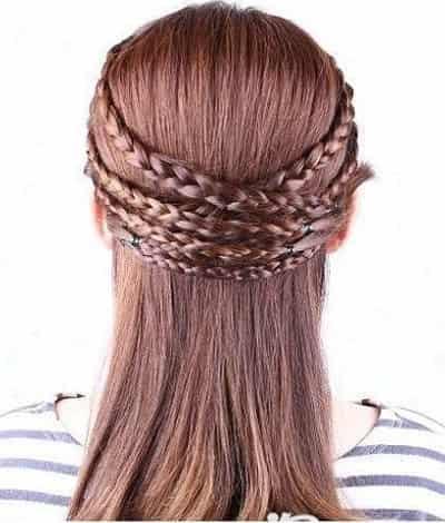 发型 > > 百变韩式编发盘发发型扎法,diy超赞修颜显淑女发型  步骤一图片