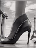 LV路易·威登2014秋冬鞋靴广告大片 走过巴黎标志性街道